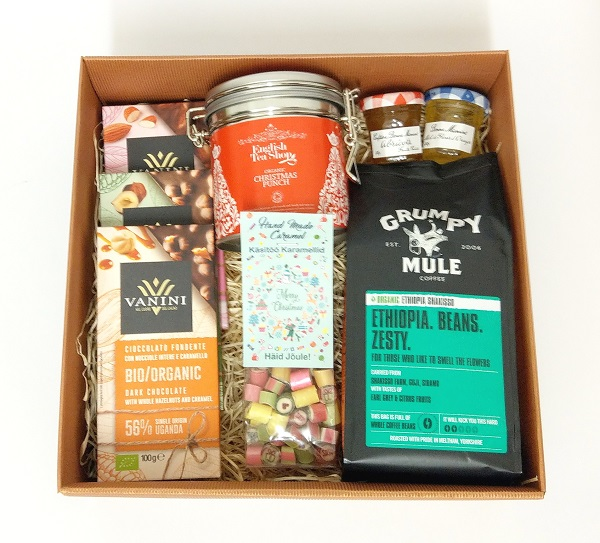Giftbox tea coffee chocolate jam sweets